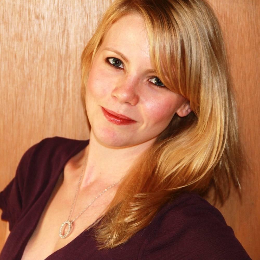 Lori Deschane - Author of Tiny Buddha